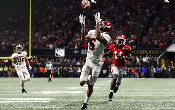 Find Out How You Can Watch College Football Playoffs Games and Championship